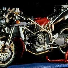 Foto 58 de 73 de la galería ducati-panigale-v4-25deg-anniversario-916 en Motorpasion Moto
