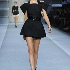Foto 4 de 15 de la galería karl-lagerfeld-primavera-verano-2010-en-la-semana-de-la-moda-de-paris en Trendencias