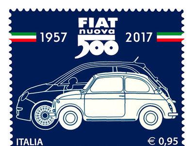 FIAT presenta una estampilla postal para celebrar 60 años del Cinquecento