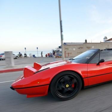 Del SEAT 600 al Ferrari 308 GTS: haciendo coches eléctricos a partir de coches clásicos