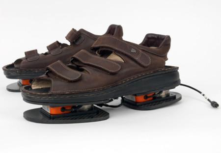Estos horribles zapatos son obra de la NASA y les sirven para evaluar el ejercicio en el espacio de sus astronautas