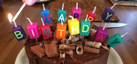 Apagar las velas de cumpleaños significa incrementar el número de gérmenes sobre el pastel