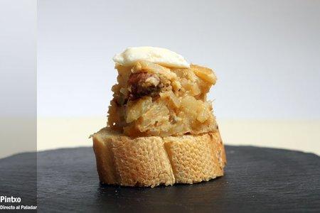 Pincho de tortilla de patatas con chorizo. Receta