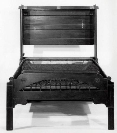 cama piano abierta museo de brooklyn