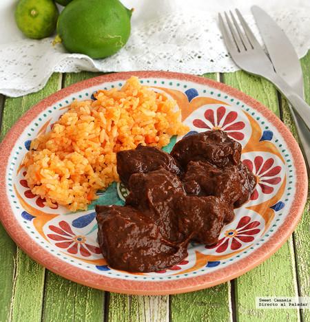 Carne en salsa de chile pasilla. Receta