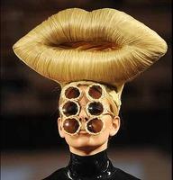 Las increíbles creaciones de Charlie Le Mindu en la London Fashion Week