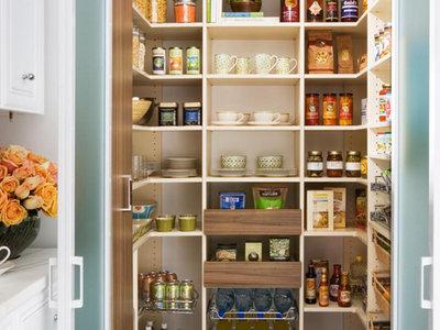 Trece despensas para alimentos: a primera vista parece imposible, a segunda un espacio extra de almacenaje