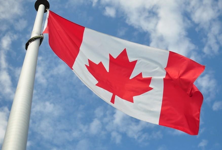 El electrocardiograma de los Apple™ Watch Series cuatro asistirá a Canadá tras ser regulado