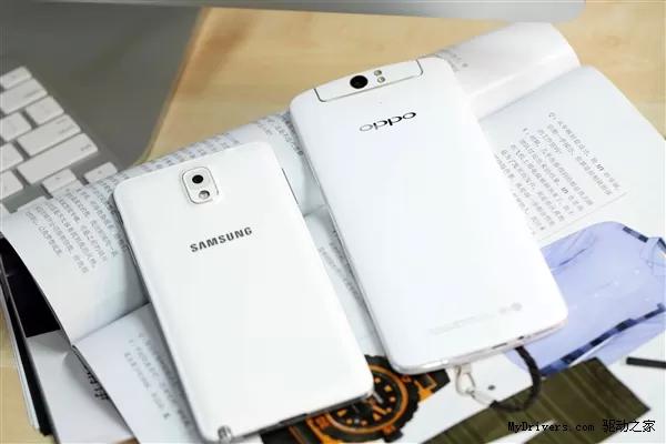 Foto de Samsung Galaxy Note 3 vs. Oppo N1 (2/6)