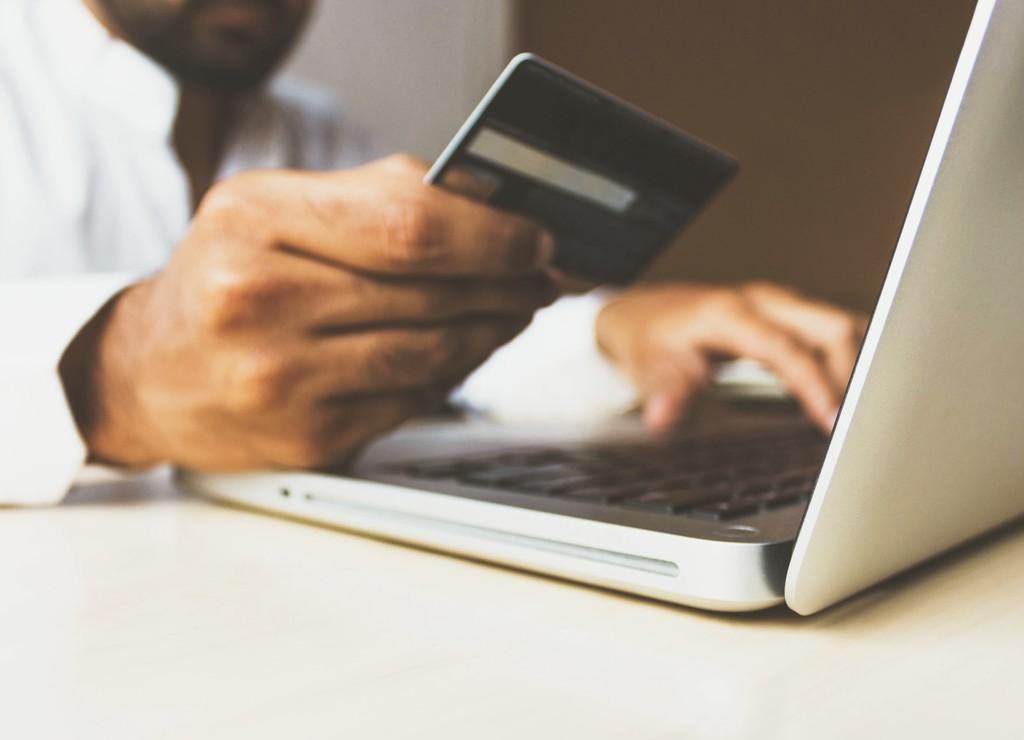 Descubren un fallo de seguridad que permite saltarse la confirmación con PIN en pagos contactless de tarjetas bancarias