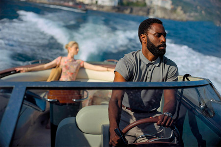 Elizabeth Debicki y John David Washington en Tenet