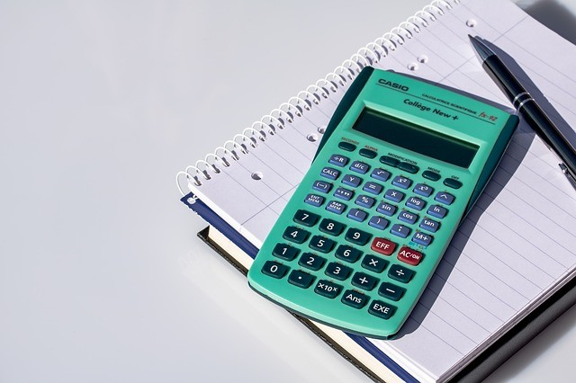 Calculator 2391810 640