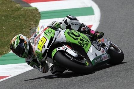 MotoGP Italia 2013: el incidente entre Valentino Rossi y Álvaro Bautista, lance de carrera