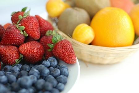 Conoce las frutas con menos hidratos