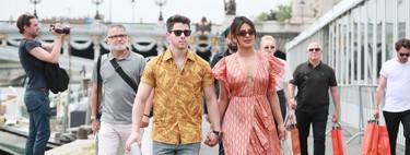 Ni recto ni de tirantes, el vestido que más favorece y disimula es cruzado con volantes y lo ha llevado Priyanka Chopra: 3 similares que puedes comprar online