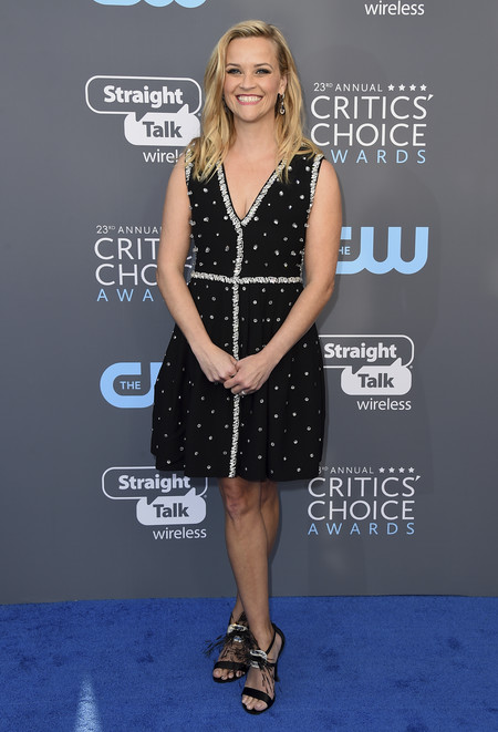 Reese Witherspoon critics choice awards alfombra roja
