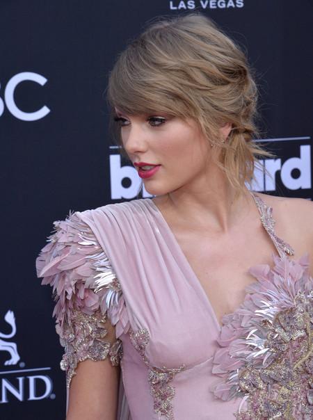 Billboard Awards Taylor Swift 12