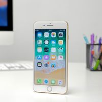 Los iPhones 8 venden la mitad que los iPhones 7 en sus primeros días, lo previsto según KGI