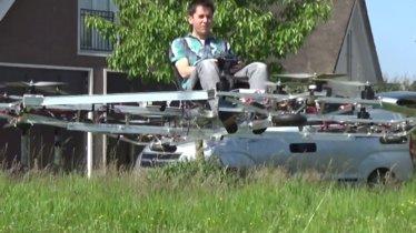 Este drone permite llevar a una persona (siempre que no supere los 60 kg)