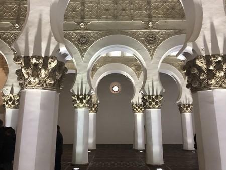 La sinagoga de Santa María la Blanca de Toledo y sus contradicciones