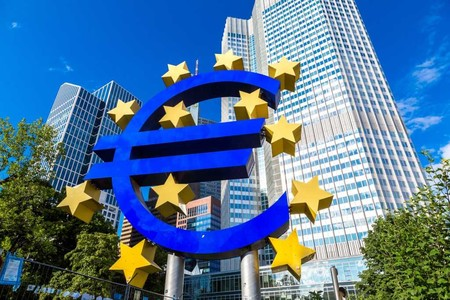 El BCE respalda el control de sueldos a los banqueros por parte de los Gobiernos, toda la información