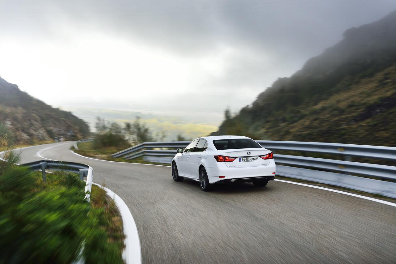 Foto de Lexus GS 300h (61/153)