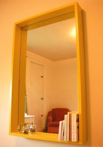 Una buena idea: Usar un espejo como estantería