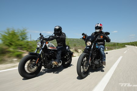 Probamos las Sportster Iron y Forty Eight, dos Harley-Davidson especiales para celebrar 115 años de historia