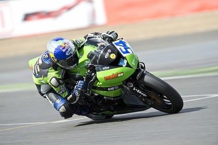 Superbikes Gran Bretaña 2013: Kenan Sofuoglu vence en Supersport de nuevo con polémica