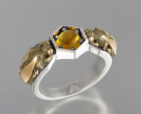 Honeycomb Jewelry Bee Winged Lion 14