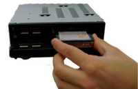 Fusion CA-1P500, autoradio que oculta el iPod