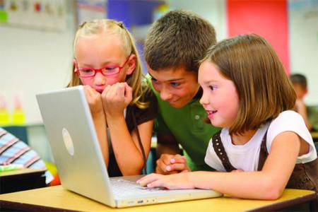Sexting o cyberbullying con imágenes sexuales, una plaga que se extiende entre escolares británicos de hasta 7 años