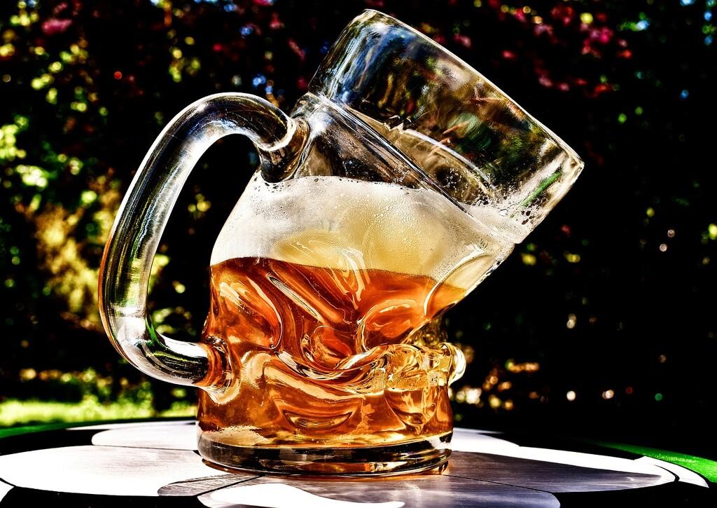 Estas son las razones por las cuáles debes evitar el alcohol si no quieres subir de peso