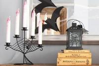 Forra libros con papel de estraza decorado, para ambientar tu casa en la noche de Halloween