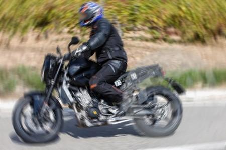 Cazada la futura KTM 890 Duke y la actualización de la 1190 Adventure
