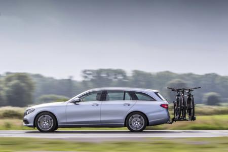 """Mercedes prepara un Clase E Estate """"allroad"""" para el Salón de París"""