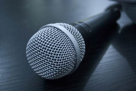 Apple podría estar preparando la producción de podcasts propios, así lo sugiere la contratación de nuevos ejecutivos
