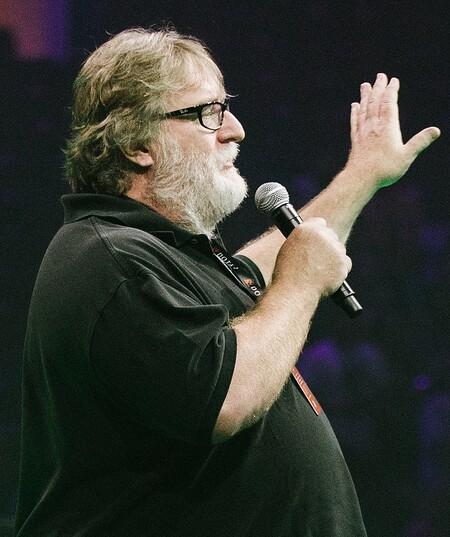 """Las interfaces cerebrales permitirán """"crear experiencias superiores"""" en los videojuegos, según Gabe Newell"""