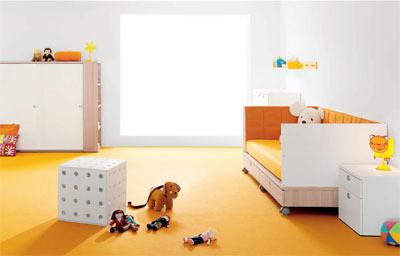 Aportar el color a través de los suelos en el cuarto infantil