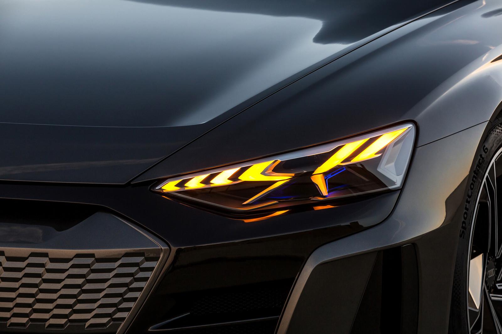 Foto de Audi e-tron GT concept 2018 (54/55)