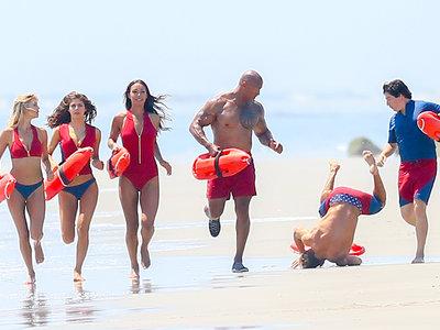 La película de 'Los vigilantes de la playa' con Dwayne Johnson ya tiene tráiler