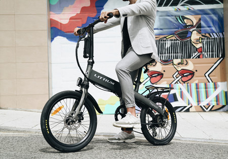 Littium Ibiza Titanium: la nueva bici eléctrica plegable de la firma española promete 100 kilómetros de autonomía y carga rápida