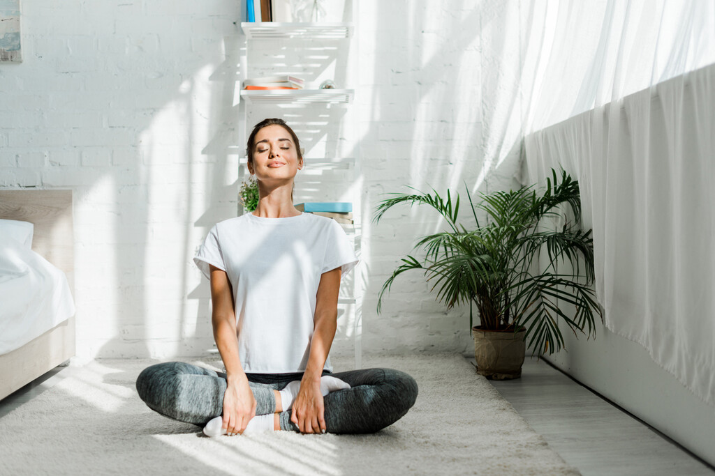 Si sufres de insomnio, estas cinco asanas de Yoga te ayudan a conciliar el sueño