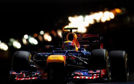 Michael Schumacher rememora viejos tiempos y se hace con la pole
