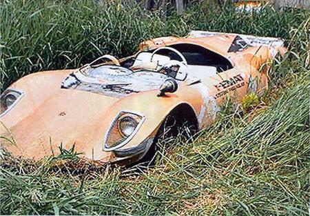 Ferrari 206 abandonado