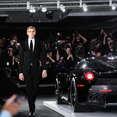Ralph Lauren presentó su colección de ropa entre sus propios McLaren F1 y Ferrari 250 GTO (entre otros)
