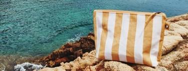 Esto es lo que una editora de belleza se lleva de vacaciones: 15 productos que he metido en el neceser de mi maleta