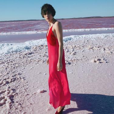 Los vestidos de Uterqüe Primavera-Verano 2018 son amor puro y su nueva tienda también
