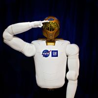 La NASA confía en que la nuevas generaciones de robots espaciales estadounidenses y rusos sean capaces de cooperar entre sí