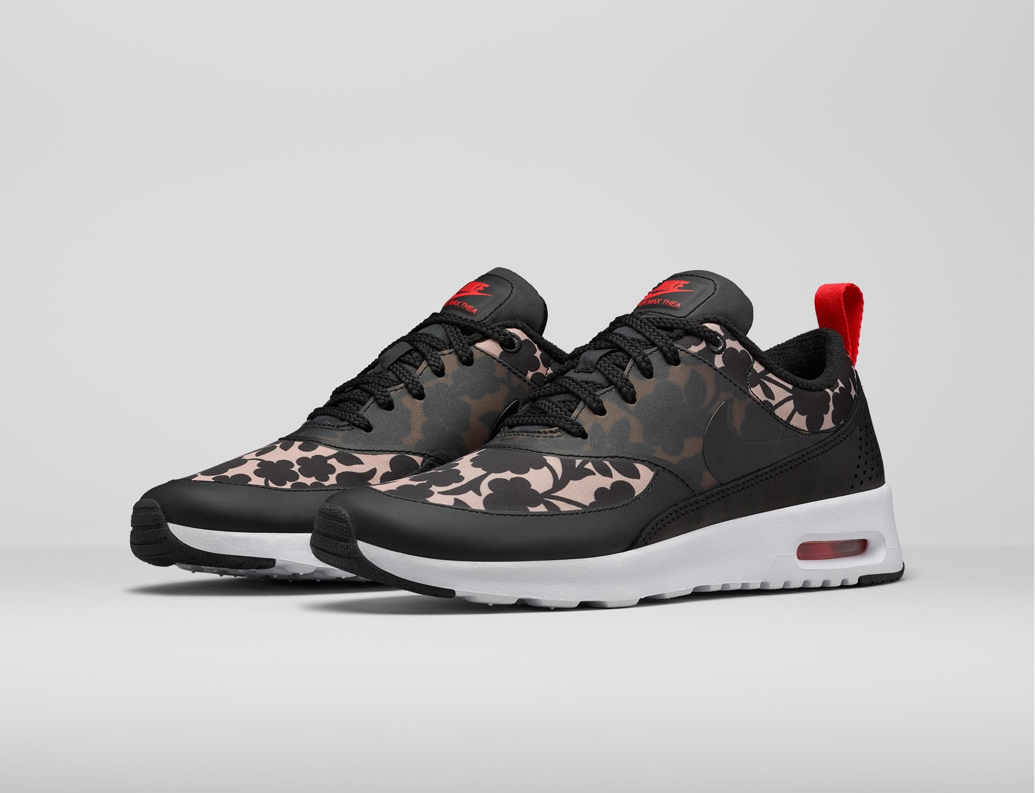 Foto de Liberty London x Nike (2/15)